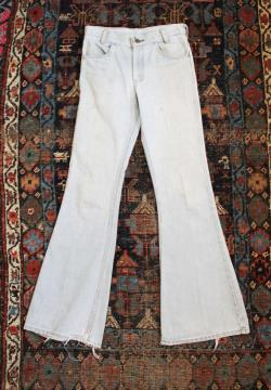 70's Levi's flare bellbottom jeans worn in distressed W30 x L34 hippie boho classic thrashed distressed faded denim vintage old hip original