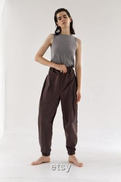 Chocolate jogger pants with eight segments cut