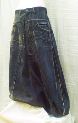 Dark blue Harem pants in patchwork of recycled jeans, Unisex wide pants, unisex baggy trousers in dark blue jeans with marbled effect