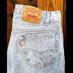 Vintage Levi 501 Jean's This fine piece of denim is brought to from the good ol' US of A. Straight out of the late 80's. 501-0661 Levi's